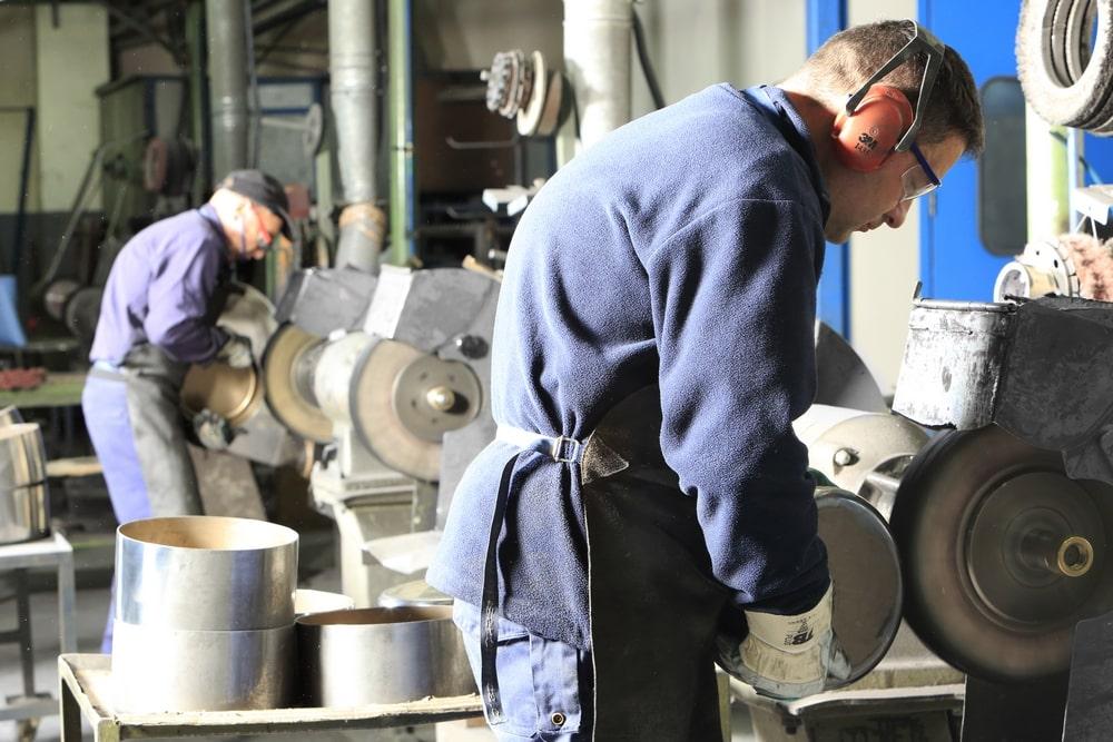 Implementamos sistemas de calidad en el pulido de metales