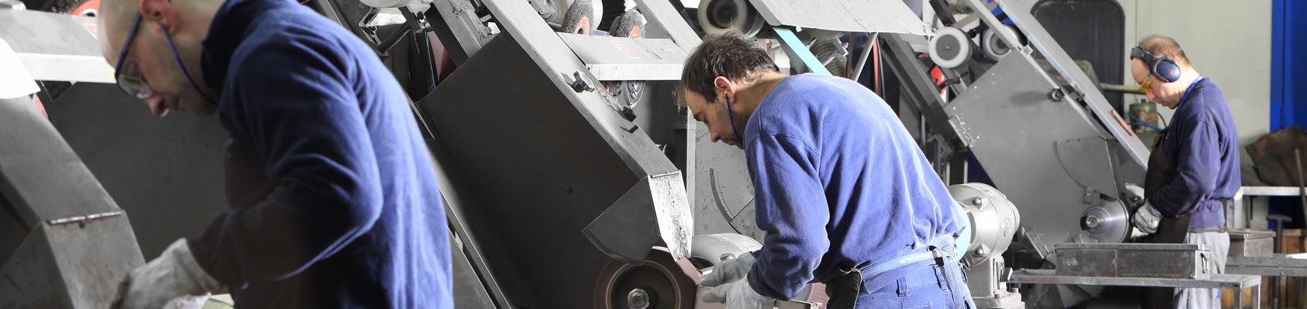 Pulido de metal y la eliminación de rebabas en cualquier tipo de metal